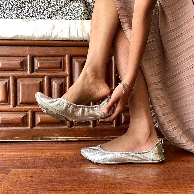 That wonderful feeling when the shoe fits! #tandncollection #nycstyle #lastyle #citygirl #citystyle #instapic #balletflats #shoes #monogram #monogrammed  #instablogger #fashionblogger #miamiblog #chicagostyle #chicagoblogger #ootd #lablogger  #panhellenic #instagood #balletflats #instashoe #miamiblogger #fblogger #instafashion #londonfashion #fashionista  #mommytobe #fashion #instapic #fashionblog #travelblogger