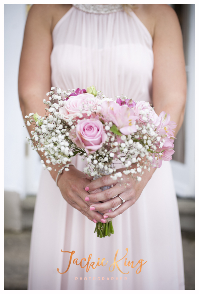 The tones in this gorgeous bridesmaid bouquet sat so perfectly with the ushers and groom's suits