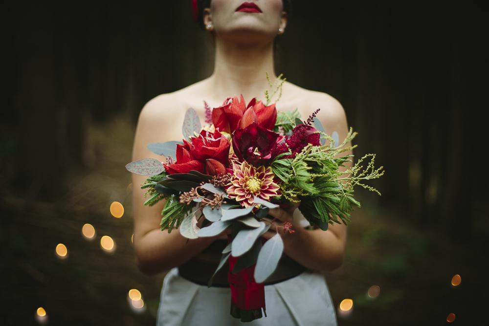 Diese Serie wurde im lieschen-heiratet.de veröffentlicht.  Mode: noni | Konzept: Oh So Pretty | H&M: Maskenraum |Pattiserie: Dehly & deSander |Papeterie:   Das Papierlabor