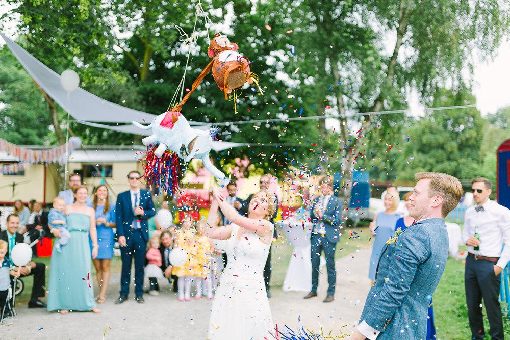 Hochzeitsfotograf Le Hai Linh Koeln Duesseldorf Bonn Zirkushochzeit Vintagehochzeit Sommerhochzeit 107.jpg