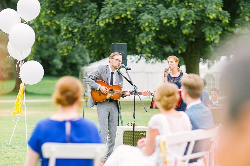 Hochzeitsfotograf Le Hai Linh Koeln Duesseldorf Bonn Zirkushochzeit Vintagehochzeit Sommerhochzeit 081-2-2.jpg