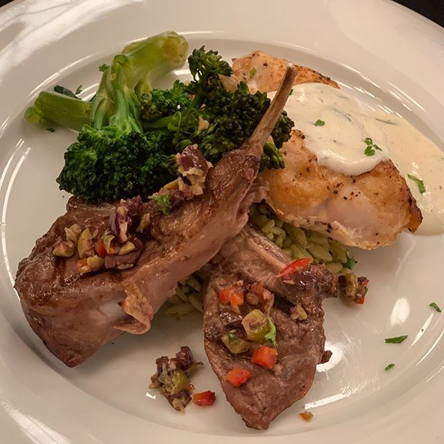 A huge thanks to the @waltonartscenter for allowing us to be a part of their annual Masquerade Ball! ✨ Lamb Lollipops with Olive Tapenade, Airline Chicken Breast with Dill Cream Sauce, Lemon Orzo, and Broccoli Rabe 🤩