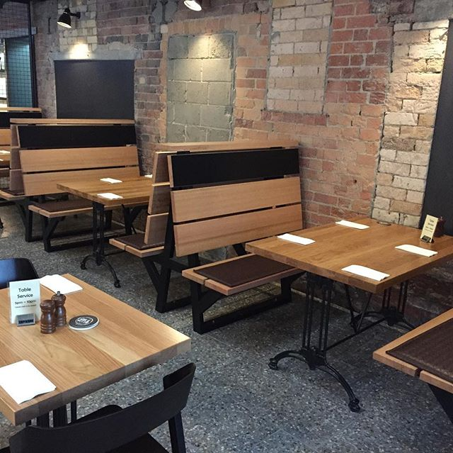 Custom booth seating at the Brewhouse Woolloongabba #boothseating #customfurniture #customfurniture #australianmadefurniture #upholstery