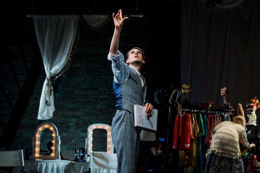 Così fan Tutte, Ryedale Festival Opera. Designer Laura Jane Stanfield, Lighting Designer Ben Pickersgill. Photo Robert Workman