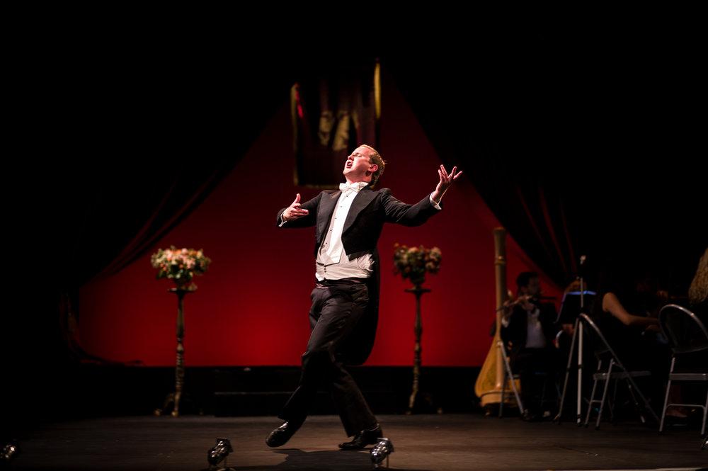 The Merry Widow, Ryedale Festival Opera. Designer Maira Vazeou, Lighting Designer Tom Boucher. Photo © Gerard Collett