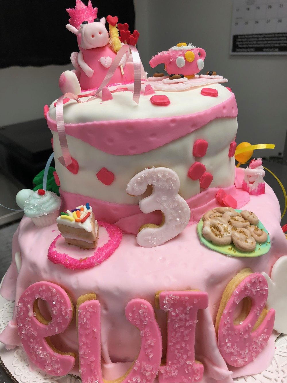 Peppa Pig Picnic Themed Cake.JPEG