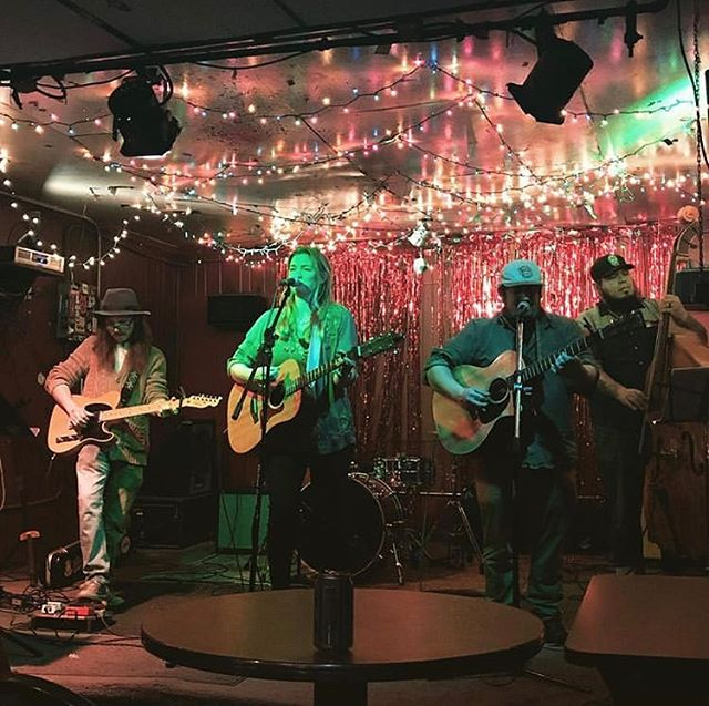 Thanks @jasoneriemusic @kiedennis @bigeasyontheupright for a fun collaboration last week at Springwater in Nashville. Also thanks to @ianmccuen for booking & @theamerbuffalo as well as @kiedennis for an awesome show! 🎶 and big thanks to @suunbrother & @davide.stewart, @allanah_zitka & all you who support 🙌💛 #moresoon #thankyou #music #nashville #showtime #americana #gig