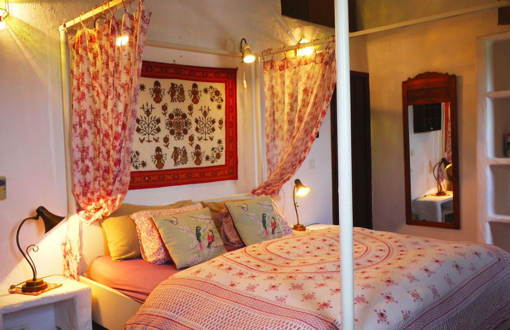 Villa Amapola has 3 double bedrooms, 2 ensuite, all with designer bed linen
