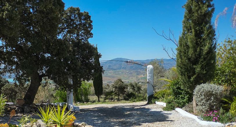 Plenty of parking space at Villa Amapola for your holiday rental car!