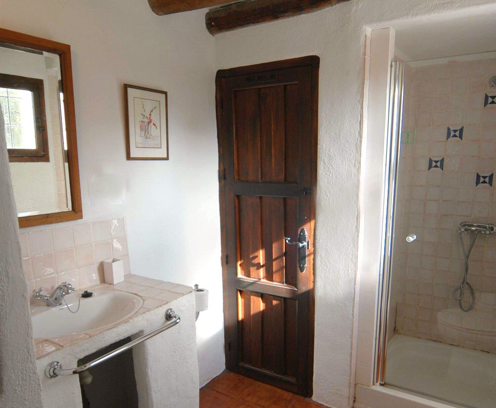 Bathroom with walk in shower, bidet and WC