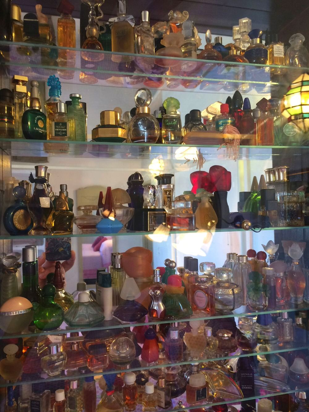 Miniature perfume collection