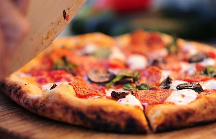 PIZZA:  Pizza 900