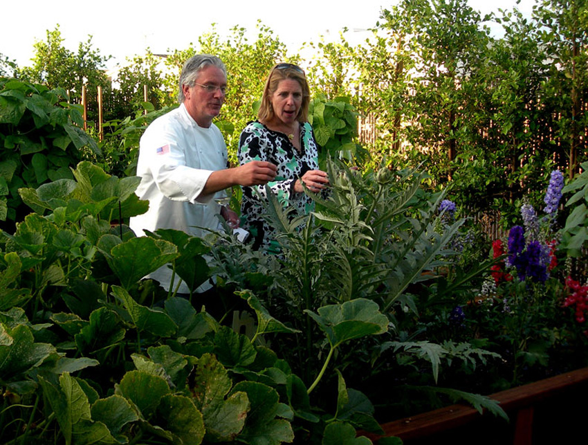 FARM TO TABLE FOOD WITH THE GARDEN TO PROVE IT: http://www.parkavedining.com/