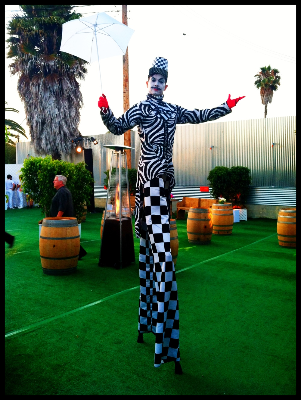 1394952967StiltWalkerRico.jpg