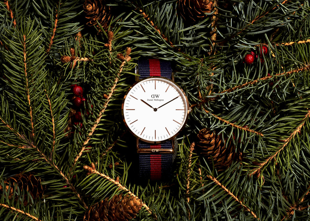 holiday_watch_swagger_02.jpg