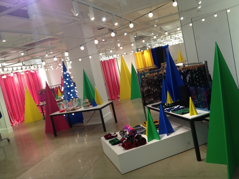 Old Navy Editor Holiday Shopping Event