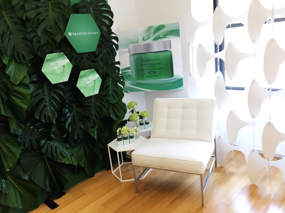 Flora wall for Skinceuticals