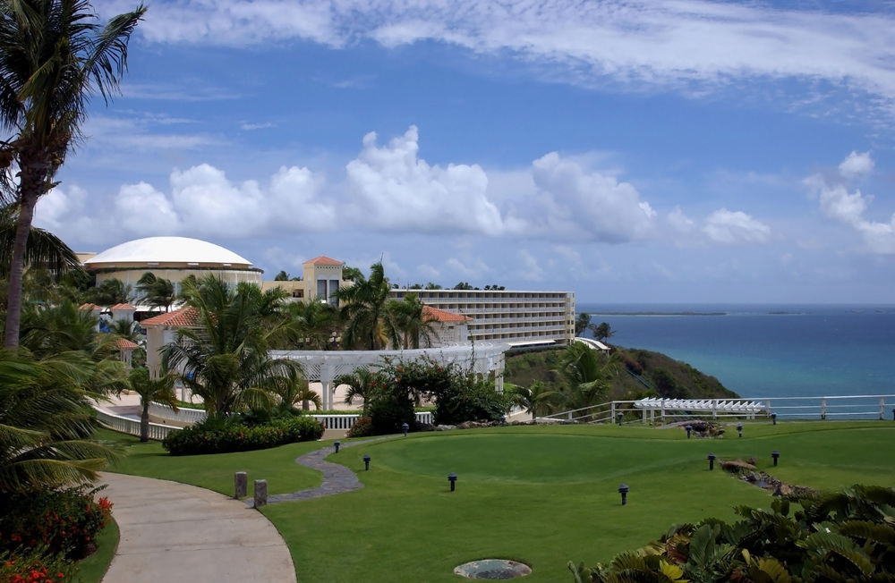 """De la plantación al """"resort""""   El Caribe en la era de la globalización    Lea Más"""