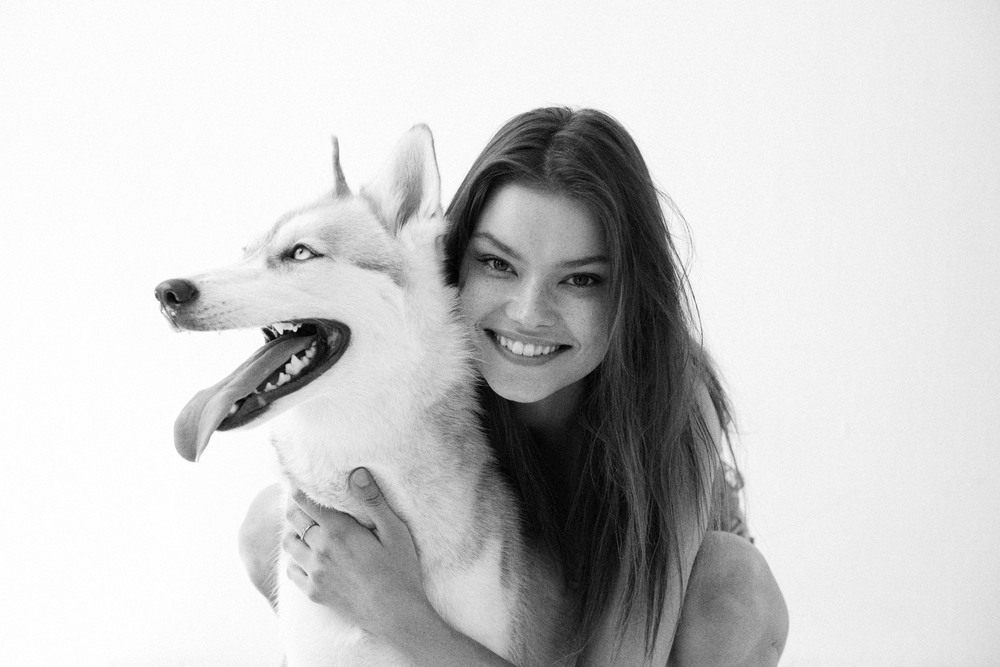 Alexandra Vittekova at One.1 Management with her dog Kaya