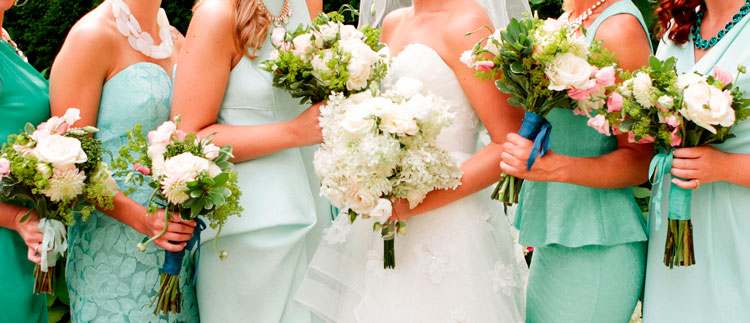 Summer bride & bridesmaids bouquets