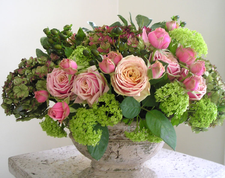 Spray roses & viburnum floral arrangement