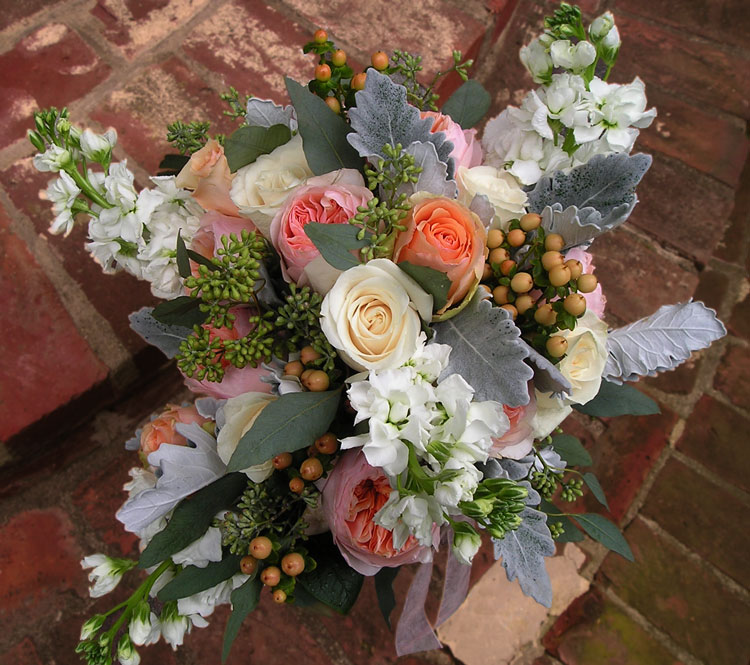 Peach & white bridal bouquet