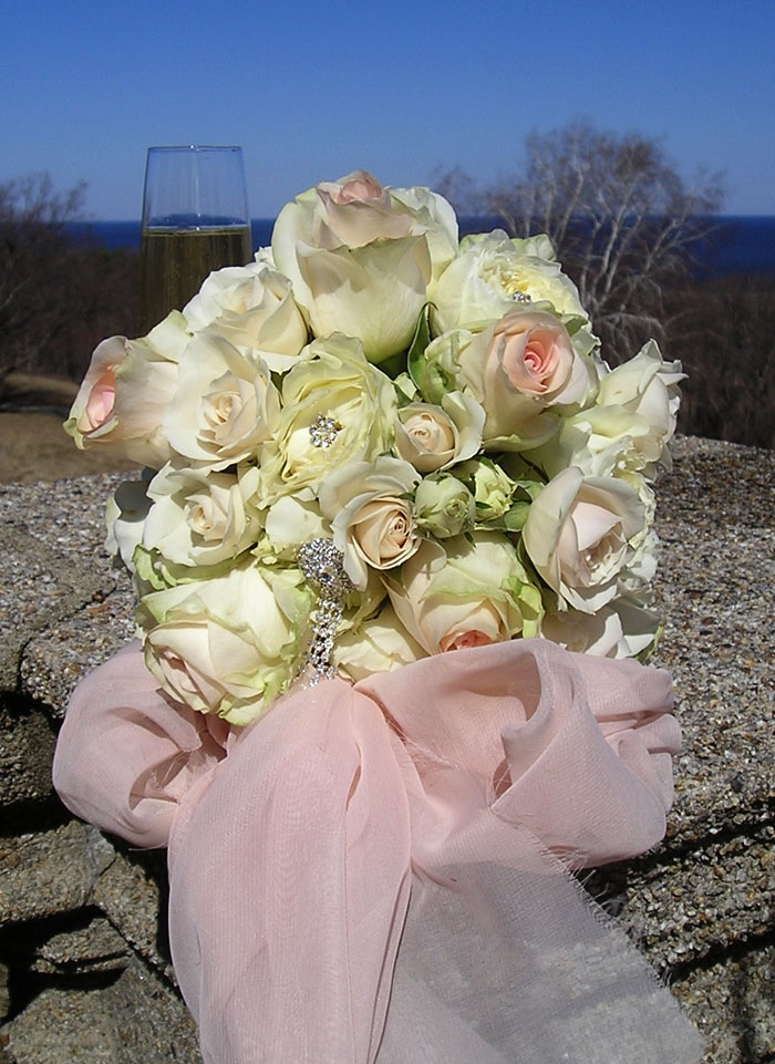 Bejeweled Spring Roses Bouquet