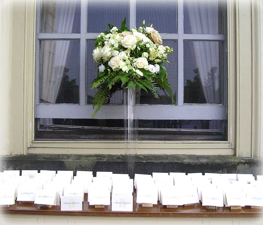 Simple & Elegant Floral Arrangement for outdoor wedding Reception