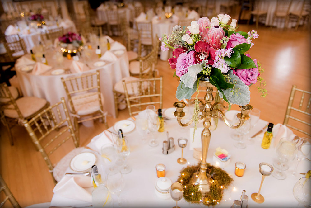 Tall centerpieces with candelabras : Borisyuk photographers