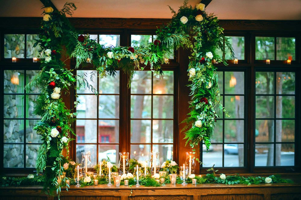 Willowdale winter wedding with garland