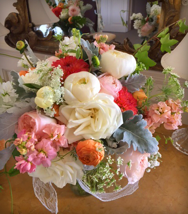 Pink & coral bouquet