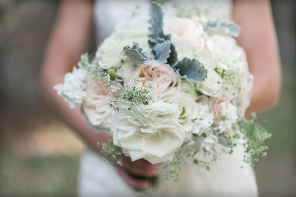 Bridal bouquet : Jackie Averill Photography