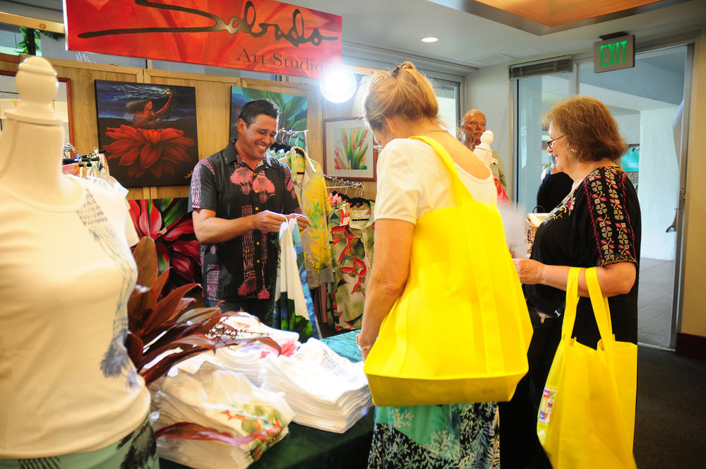 First-time vendor, Sabados Studios featured their ceramic mugs, pareo, art prints, giclee prints, and Sabado Carpetes.