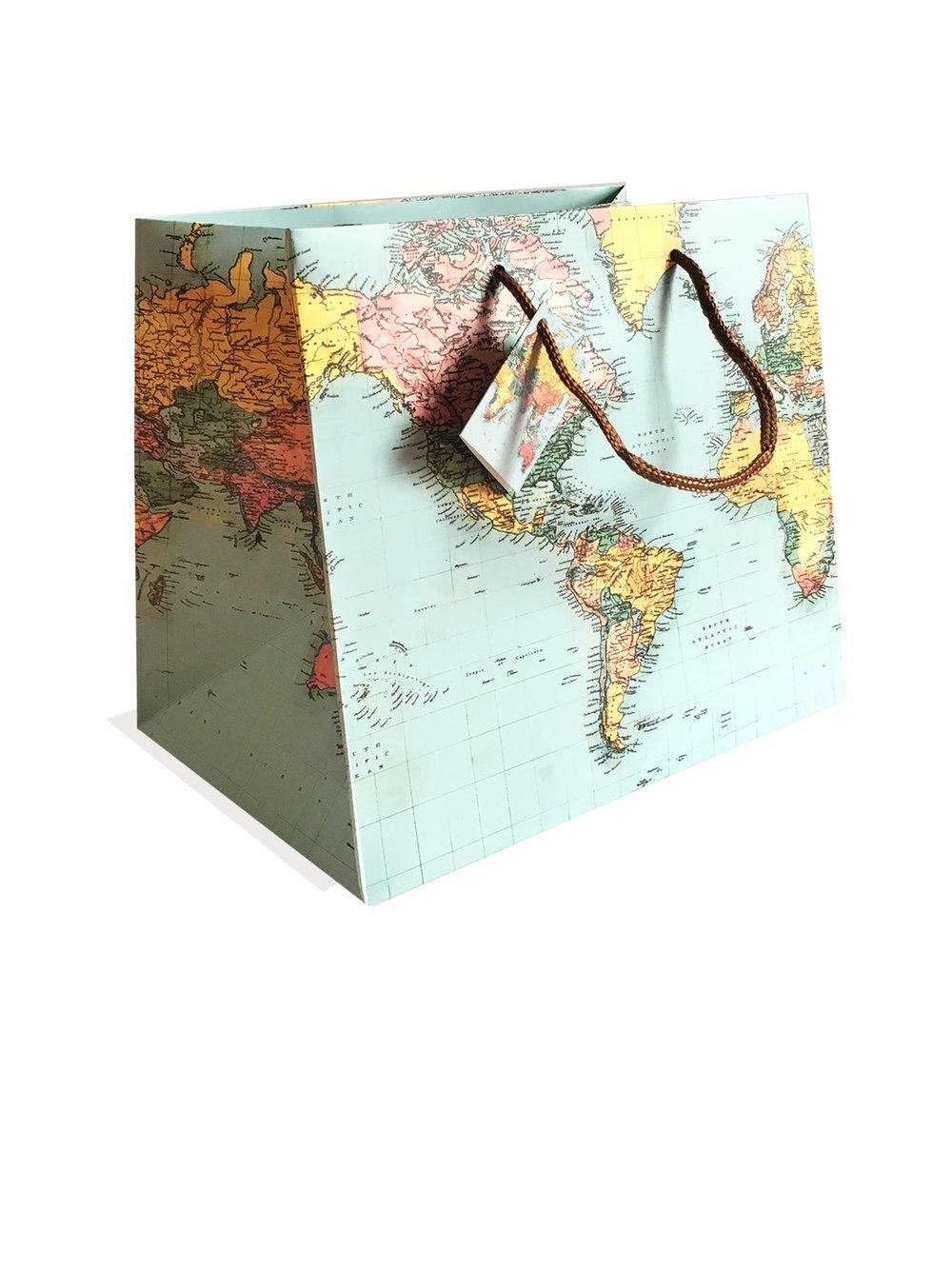 bolsita regalo con mapa y tarjeta.jpg