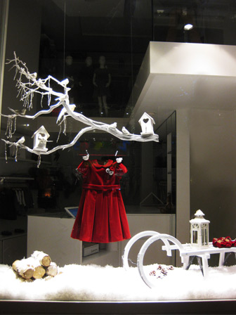 window display_il gufo_ francesca signori.jpg