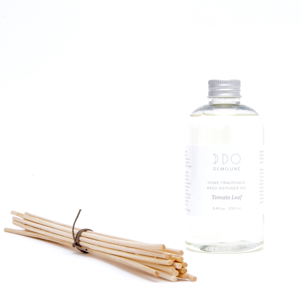 Refill  includes: 8.45oz fragrance oil & 15 reeds