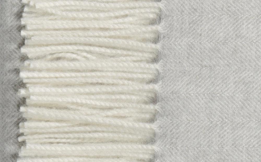 Alpaca blanket-DEMILUNE-_P4A9592.r1 copy.jpg