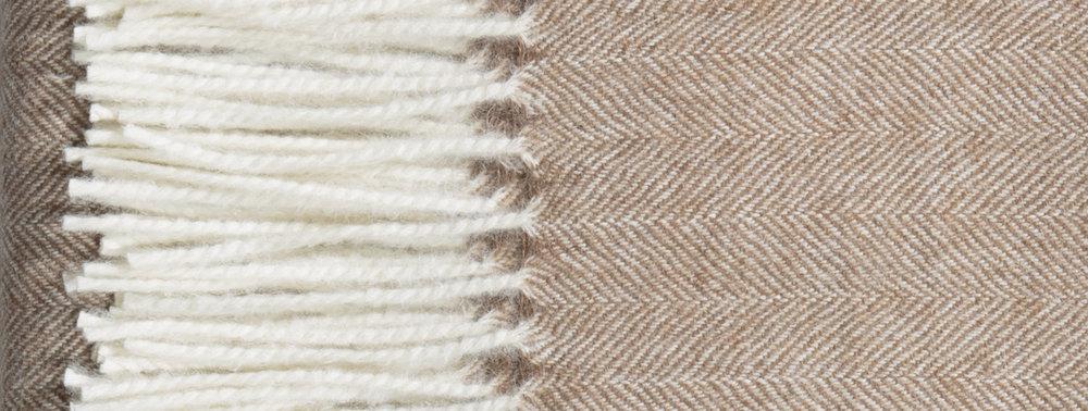 Alpaca blanket-DEMILUNE-_P4A9599.r1 copy.jpg