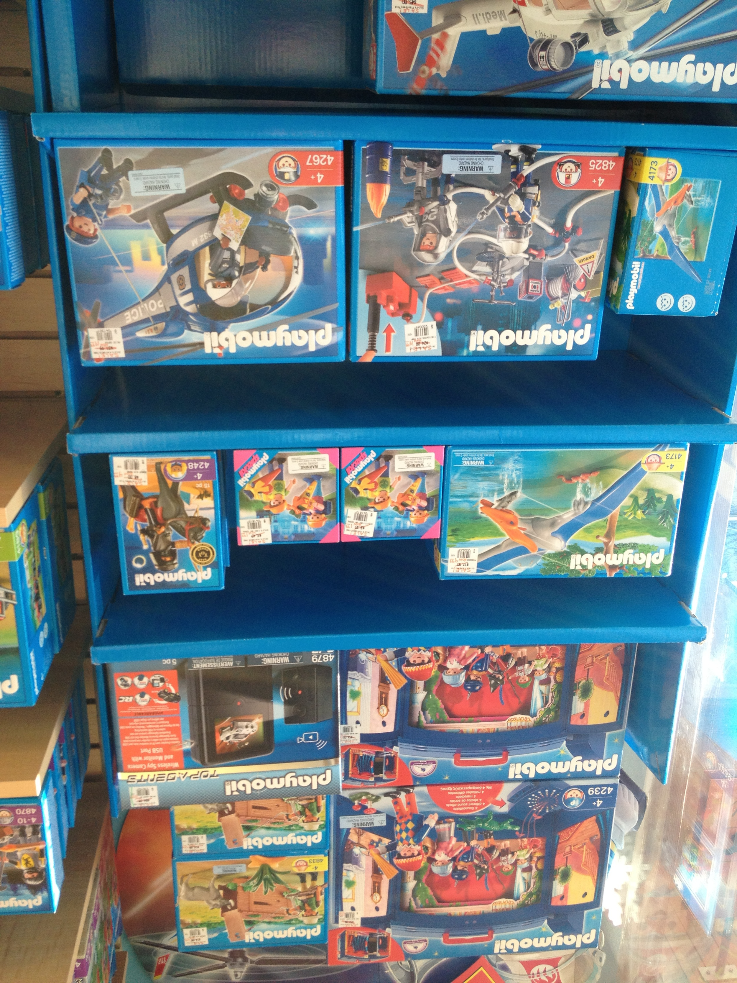 Toys_in_Portland_Playmobil_Sale