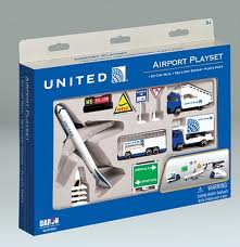 Toys_in_Portland_Airport_Playset