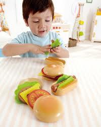 Toys_in_Portland_Hape_Hamburgers_Hot_Dogs