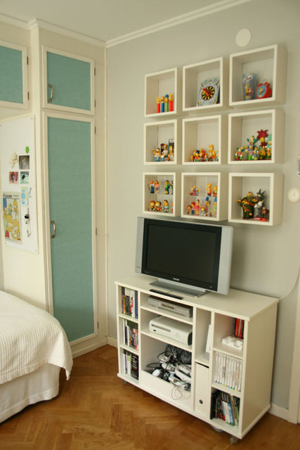 Tween_Room_Toy_Display