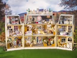Toys_in_Portland_Calico_Critters_Cloverleaf_Manor_2