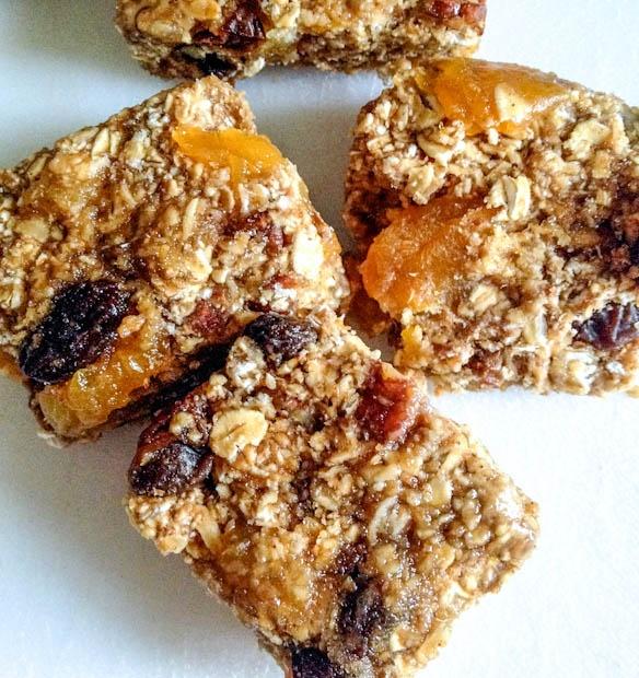 Portland_Kids_Recipes_Snacks_Homemade_apricot_granola_bars