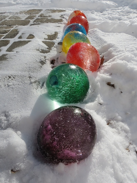 Toys_In_Portland_Water_Balloons_Ice Balloons