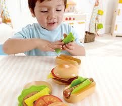 Portland_Toys_Hape_Hamburgers_and_Hot_Dogs