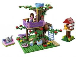Toys_in_Portland_lego_friends_treehouse