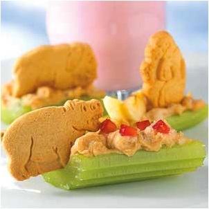 Kids_snacks_animal_cracker_boats