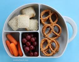 Toys_Portland_boon_snack_box_with_snacks