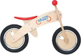 Toys_in_Portland_skuut_bike